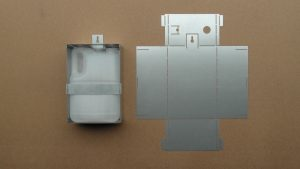 Supporto. Sviluppo e prodotto finito. Spessore lamiera 1 mm. Lavorazioni lamiere, assemblaggi.