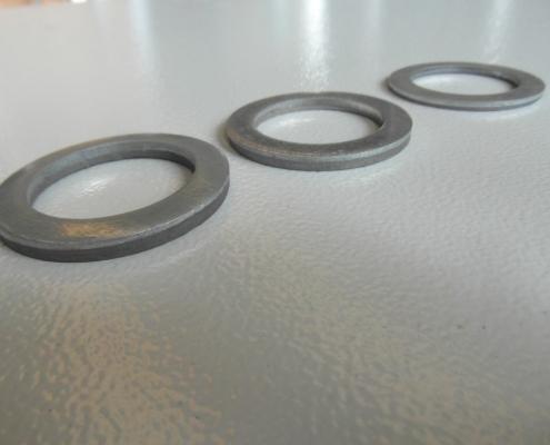 Rondelle tranciate di alto spessore. Diverse dimensioni e spessori